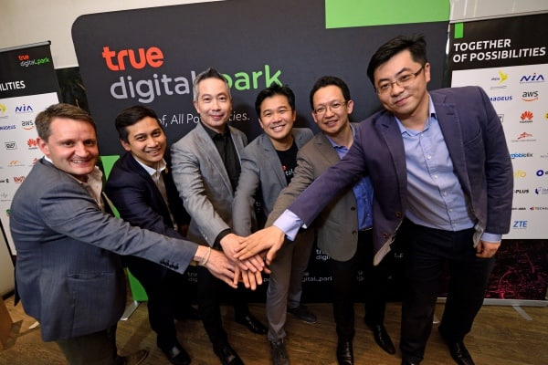 TRUE DIGITAL PARK JOINS FORCES WITH THE GOVERNMENT AND GLOBAL TECH GIANTS IN CREATING THE MOST COMPLETE AND OPEN ECOSYSTEM TO DRIVE THAI STARTUPS.